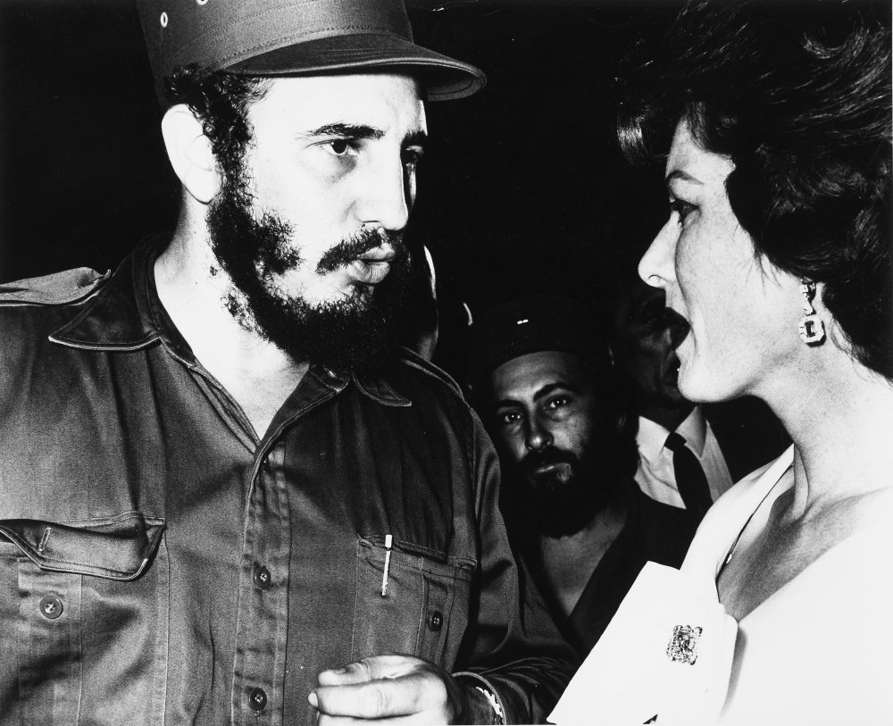 Maureen O'Hara with Fidel Castro on the set of Our Man in Havana (1959)