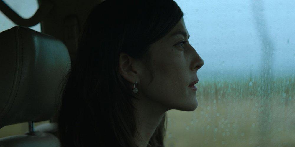 Natalia López as Esther