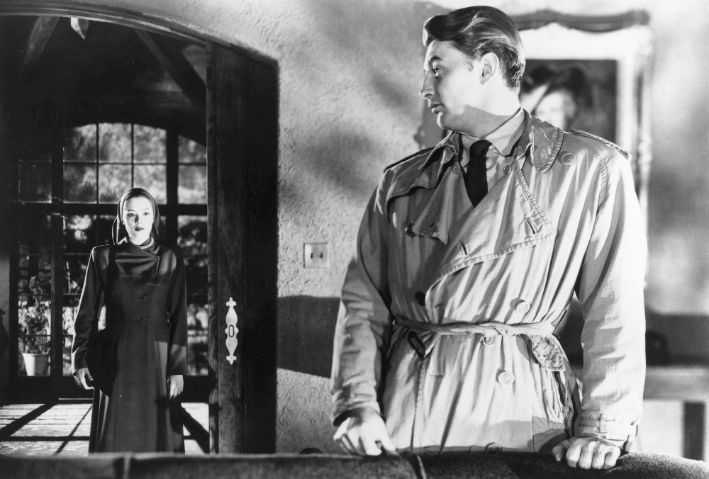 A cold reunion: lost lovers Jane Greer and Robert Mitchum in Jacques Tourneur's film noir classic Out of the Past (1947)