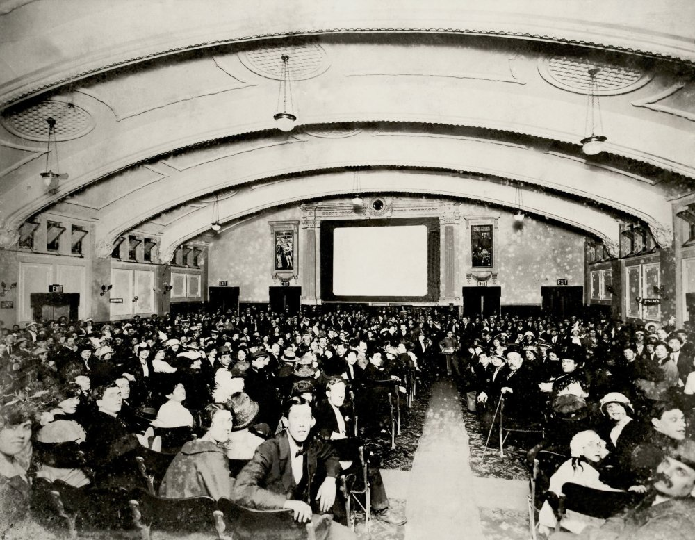 Rare image of the interior of a cinema, c.1913 - The Palladium, Mile End Road