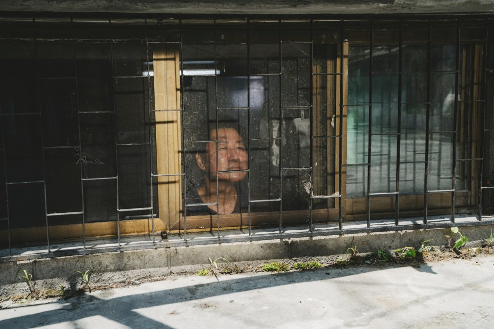 Song Kang-ho as Kitaek in Parasite