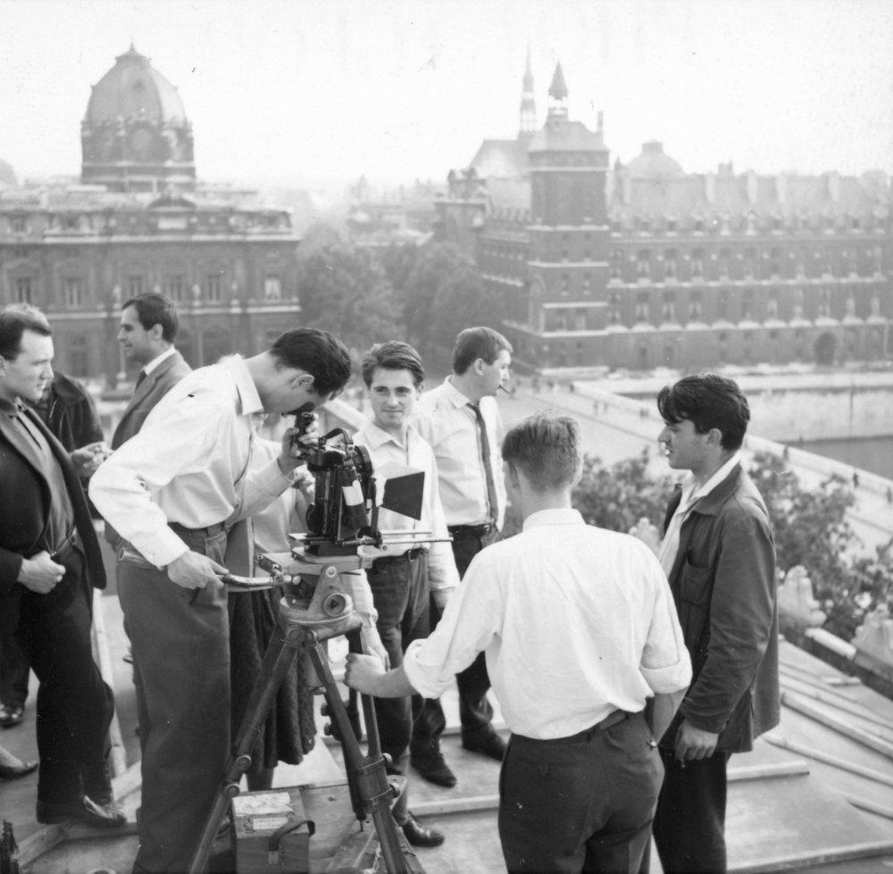 Filming Paris nous appartient (1961)