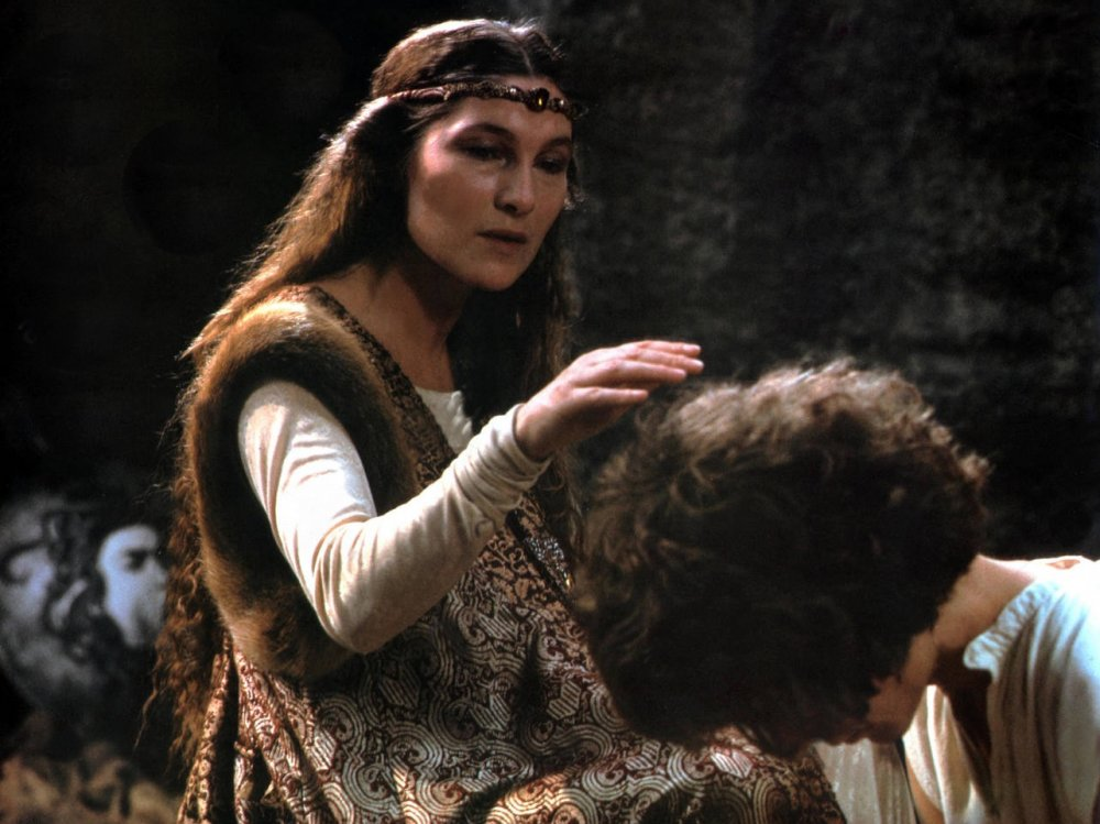 is clytemnestra innocent The god apollo then orders clytemnestra and agamemnon's son orestes to   the sacrifice of an innocent daughter by her father was considered unnatural and .