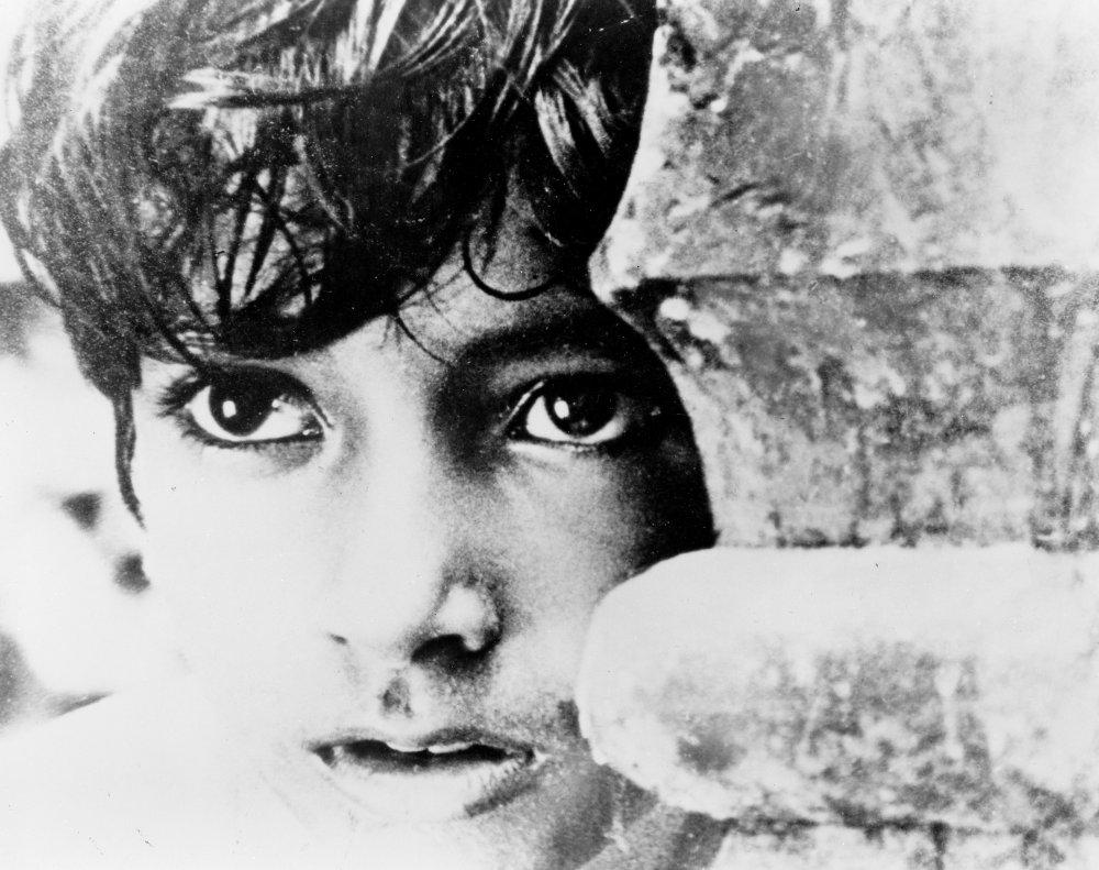 boy little nudes Pather Panchali (1955)