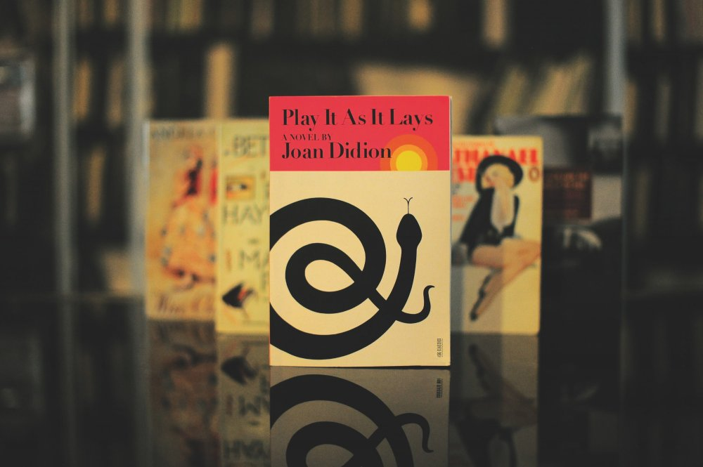 Play As It Lays by Joan Didion
