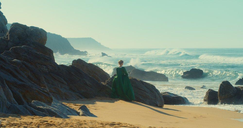 Adèle Haenel as Heloïse in Portrait of a Lady on Fire