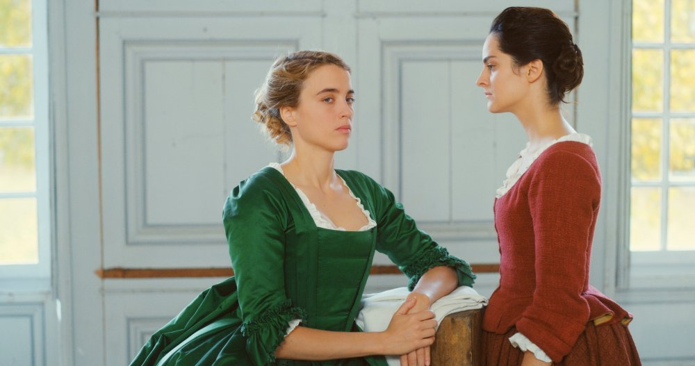 Adele Haenel as Heloïse and Noémie Merlant as Marianne in Portrait of a Lady on Fire