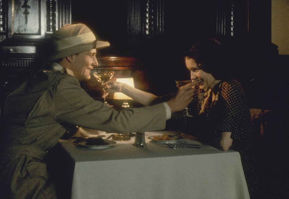 For Willis's final collaboration with Allen, The Purple Rose of Cairo (1985), he brought a nostalgic, soft-focus look to a 1930s romance between cinemagoer Mia Farrow and a dashing Egyptologist (Jeff Daniels) who steps out of the exotic film in which he's a character and into the Depression-era reality