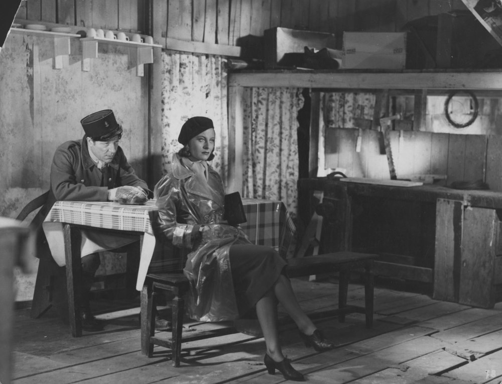 Michèle Morgan with Jean Gabin in Le Quai de Brumes (1938)