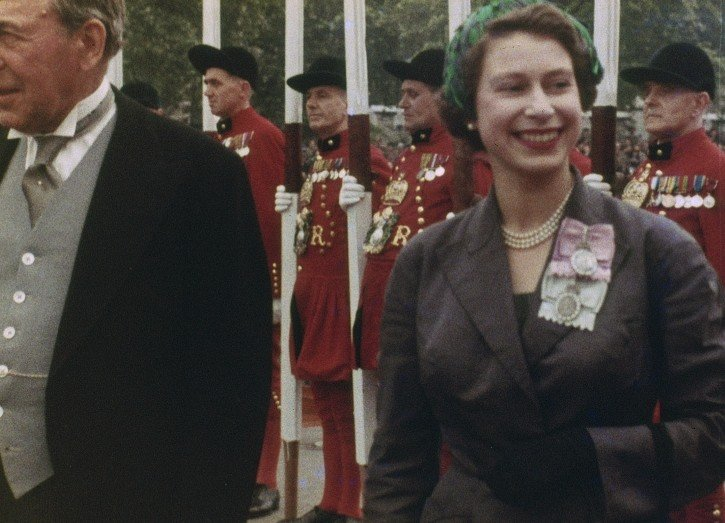 The Queen, from Royal Review (1953) in 3D