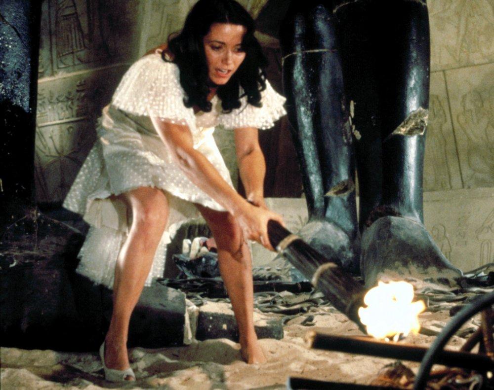 Karen Allen in distress in Raiders of the Lost Ark (1981)