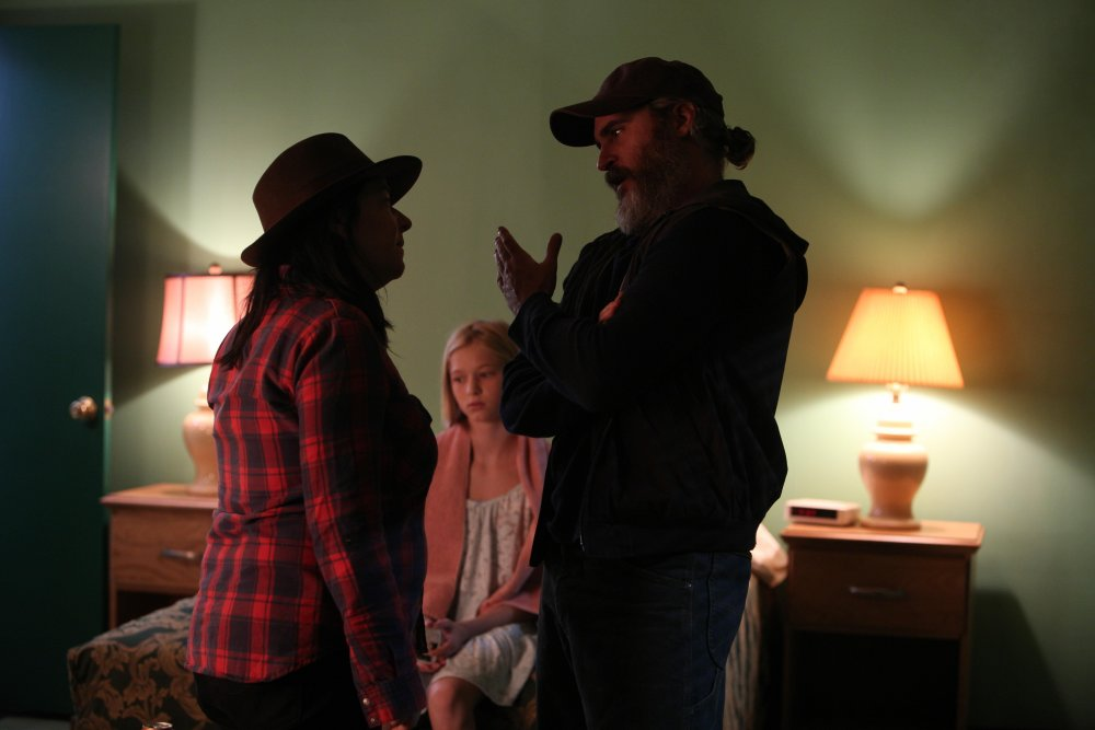 Lynne Ramsay, Ekaterina Samsonov and Joaquin Phoenix shooting You Were Never Really Here (2017)