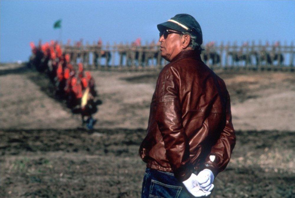 Akira Kurosawa on location for his late masterpiece Ran (1985)