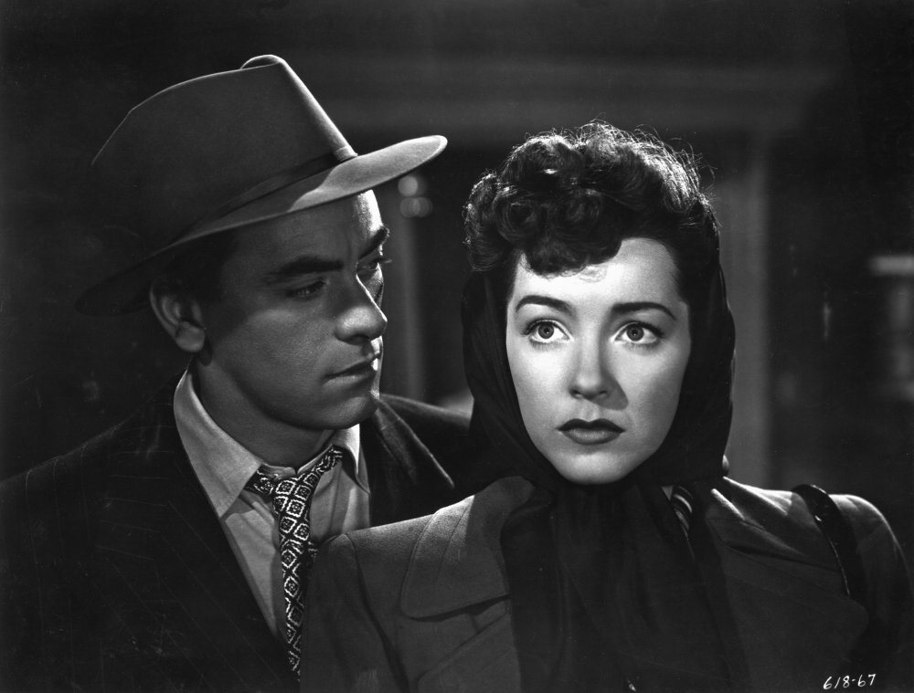 Hunt with John Ireland in Anthony Mann's low-budget <em>film noir</em> Raw Deal (1948)