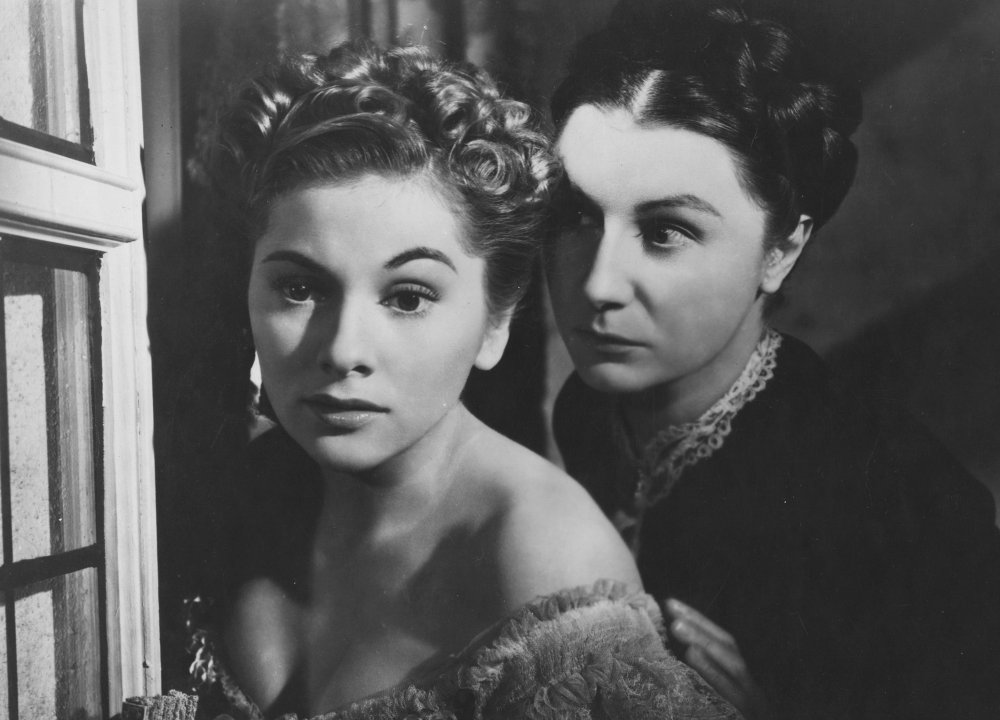 Judith Anderson menaces Joan Fontaine in Rebecca (1940)