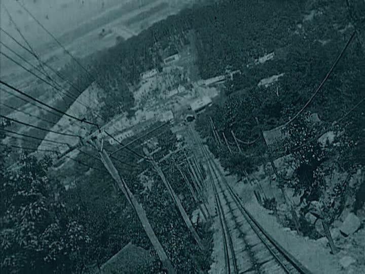 A Ride on a Runaway Train (1921)