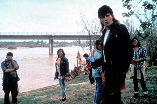 Crispin Glover and friends in River's Edge (1986)