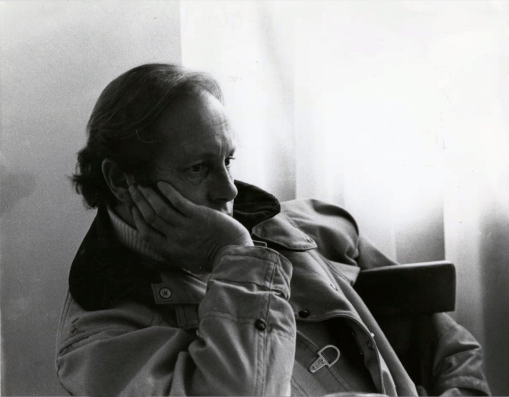 Nicolas Roeg on the set of Don't Look Now (1973)