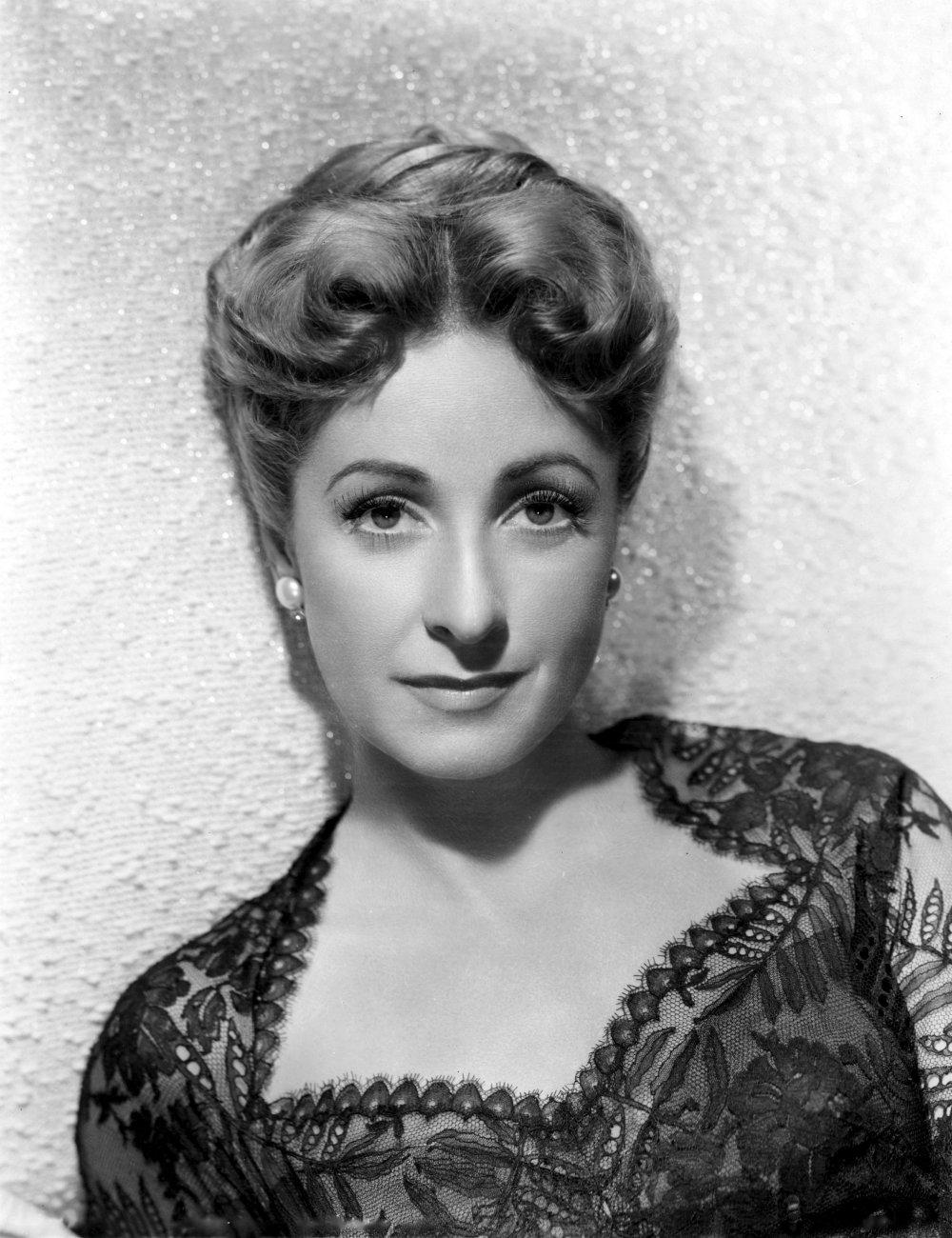 Danielle Darieux in Mac Ophuls' La Ronde (1950)