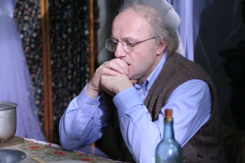 Grigoriy Dityatkovskiy as Joseph Brodsky in Room and a Half (2009)