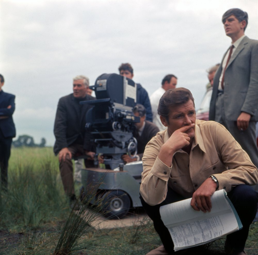 Roger Moore filming The Saint