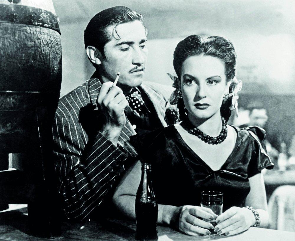 Salon Mexico (1949)