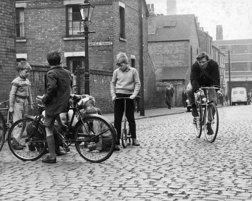 Saturday Night and Sunday Morning (1960)