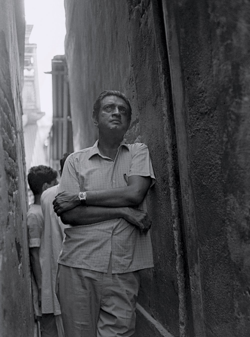 Satyajit Ray photographed by Nemai Ghosh on set of The Adversary (1970)