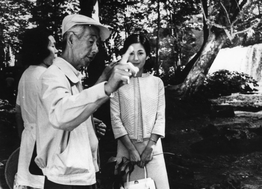 Mikio Naruse and Yoko Tsukasa on location for Scattered Clouds (1967)