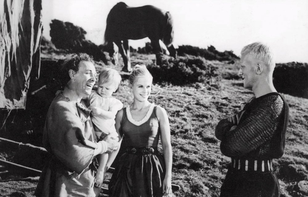 Andersson as Mia, the jester's wife, with Max von Sydow as Antonius Block, the knight, in The Seventh Seal (1957)