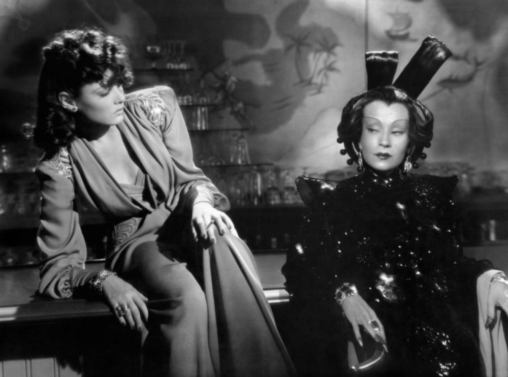 <strong>The Shanghai Gesture (1941)  </strong>This highly stylised Hollywood melodrama from director Josef von Sternberg is set around a seedy Shanghai casino run by 'Mother' Gin Sling (Ona Munson)