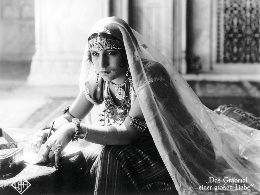 Enkashi Rama Rao as Selima in Franz Osten's Shiraz: A Romance of India (1928)