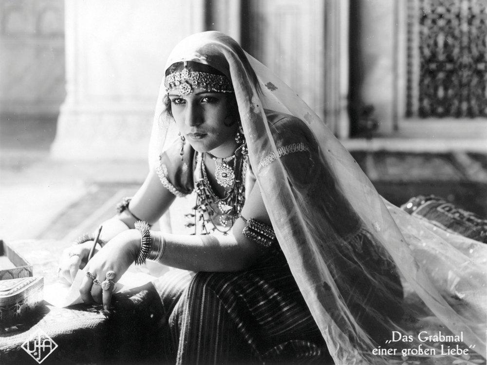 Enkashi Rama Rao as Selima in Franz Osten's Shiraz: A Romance of India (1928)