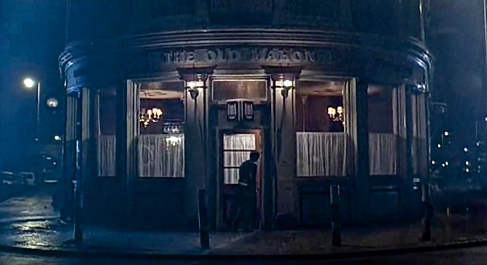 The Old Mahon pub in Sid and Nancy (1986)
