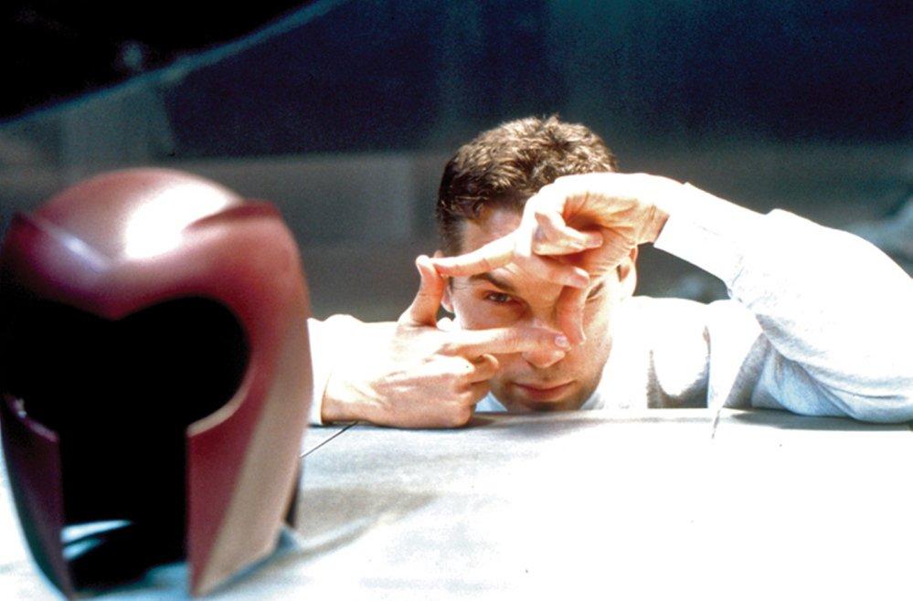 A 2000-era Bryan Singer directing X-Men