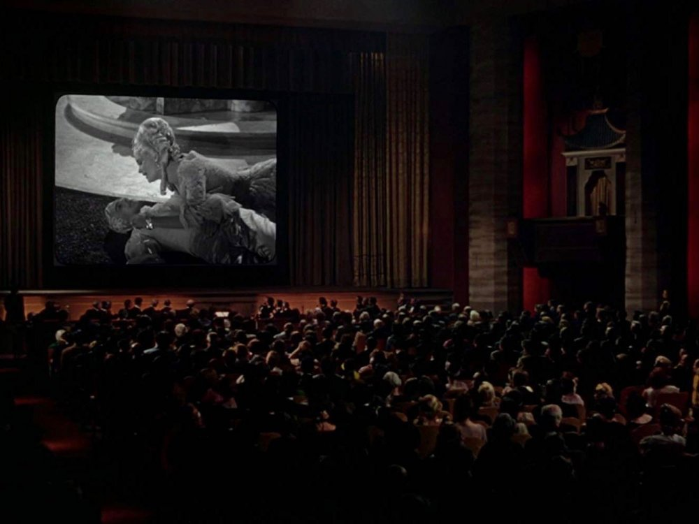 The screening of The Dueling Cavalier in Singin' in the Rain