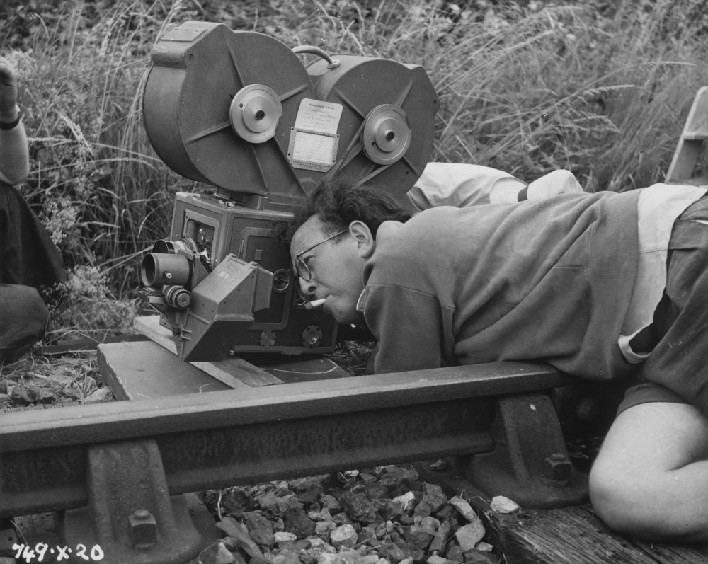 Slocombe filming The Titfield Thunderbolt (1953)