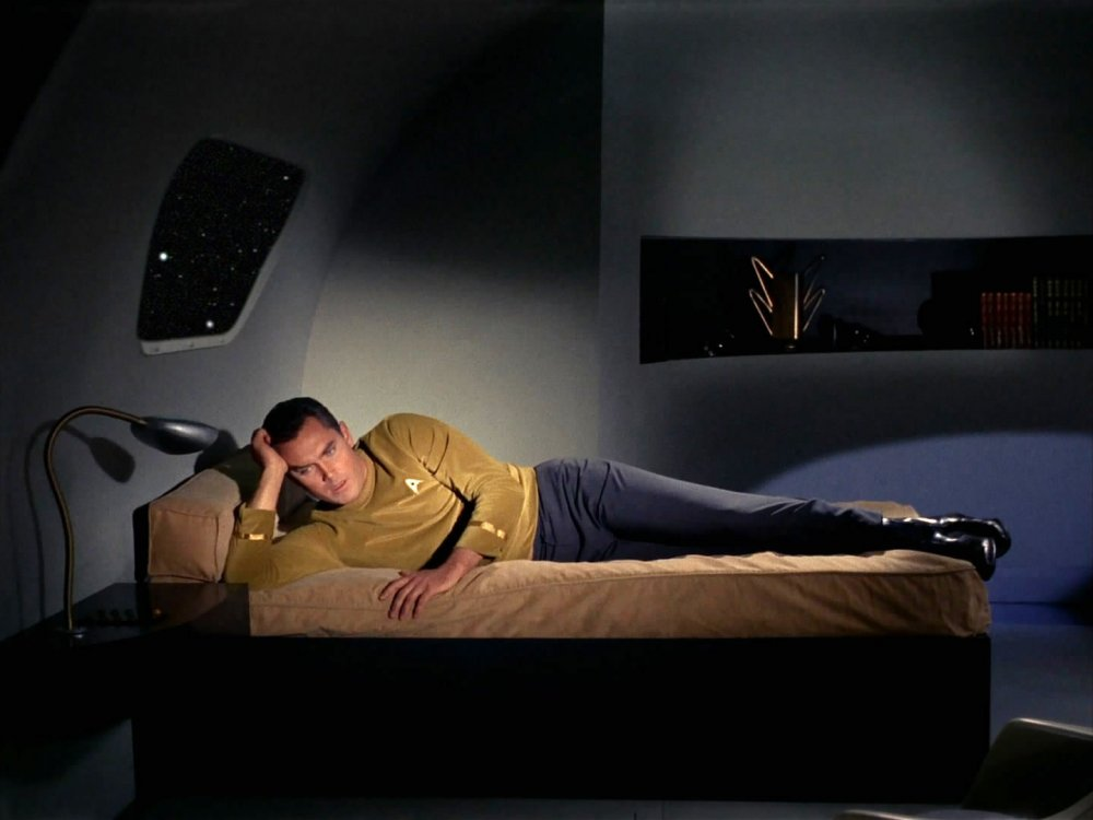Captain Pike is bored: The Cage (1966)
