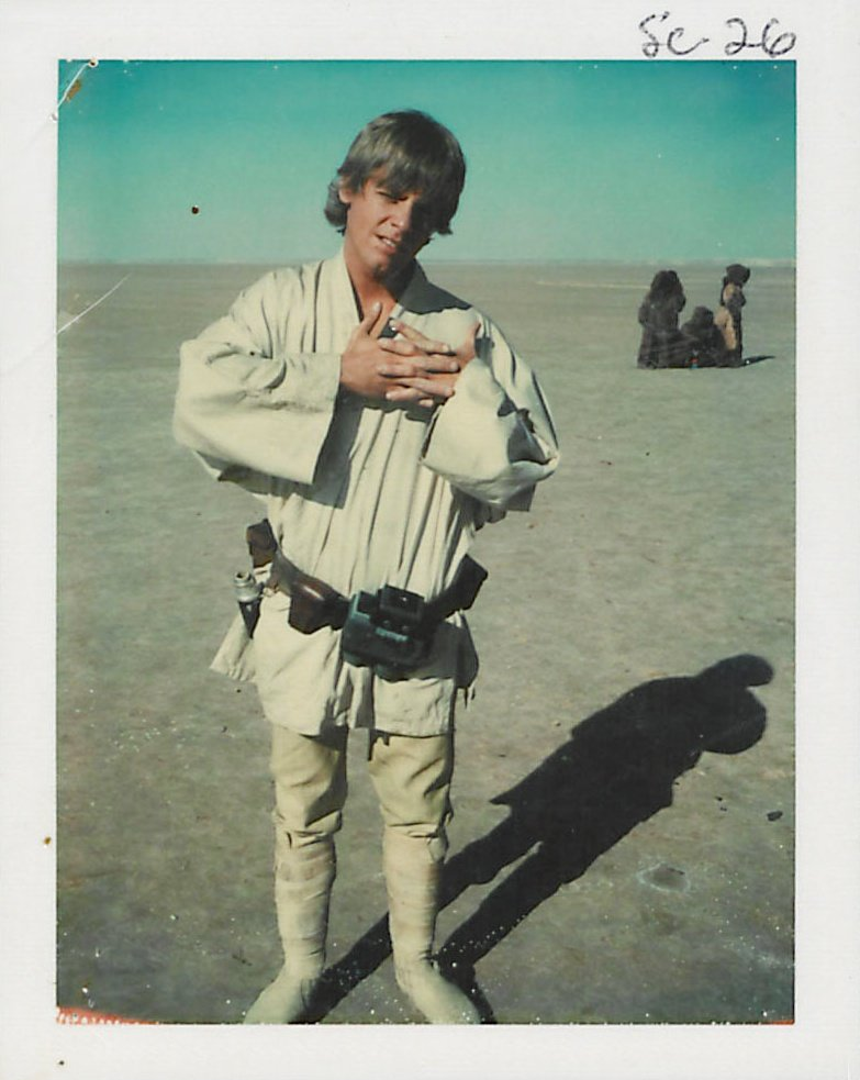 Mark Hamill as Luke Skywalker, on location in Tunisia. The annotation shows that this image relates to scene 26