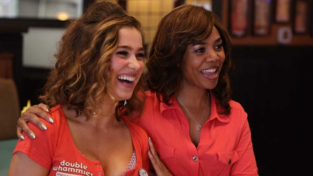 Haley Lu Richardson as Maci and Regina Hall as Lisa in Support the Girls