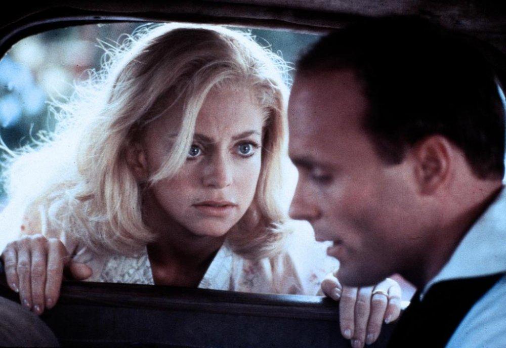 Hawn with Ed Harris as Kay's husband Jack
