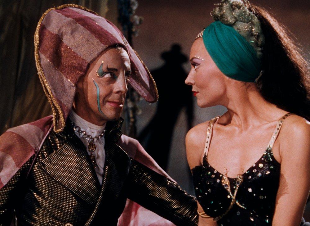 Dappertutto (Robert Helpmann) and Giulietta (Ludmilla Tcherina) plot against Hoffmann in Act II © 1951 STUDIOCANAL FILMS Ltd.