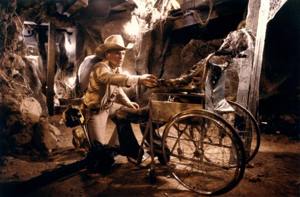 Unhinged: Dennis Hopper in The Texas Chain Saw Massacre (1986)