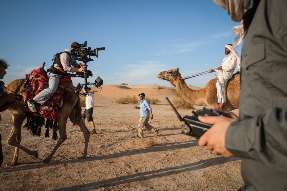 Steadicam operator Doug Walshe lines up a shot using an improvised 'camel rig'