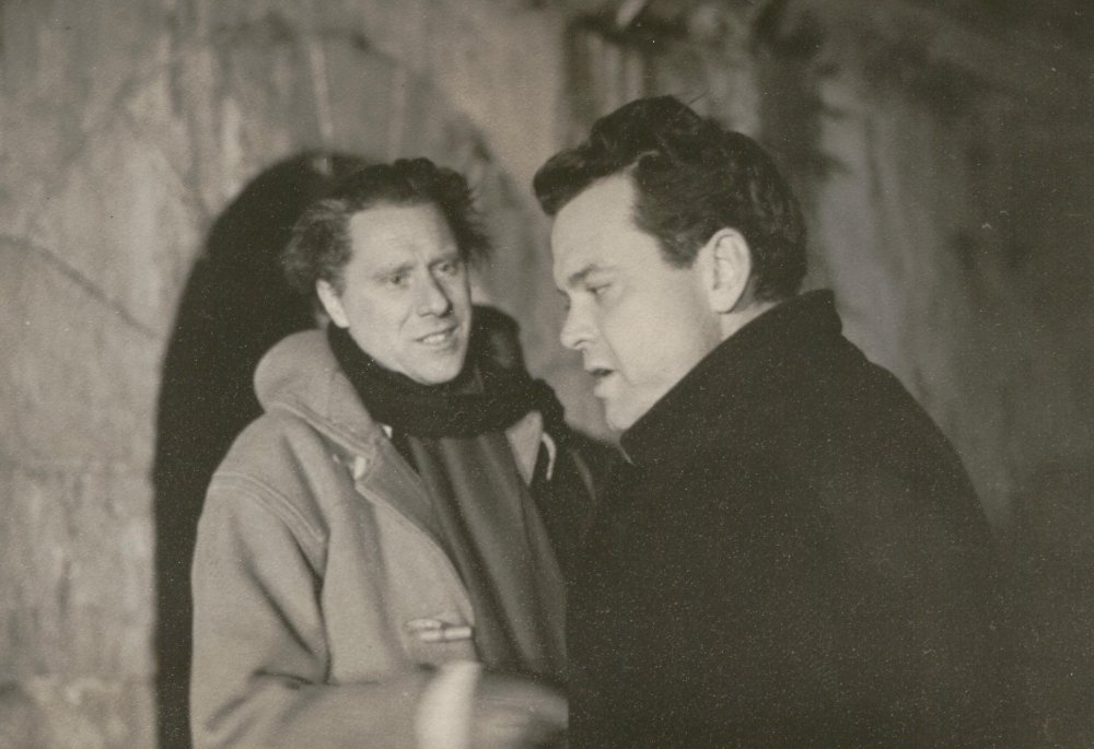 Reed and Welles on location