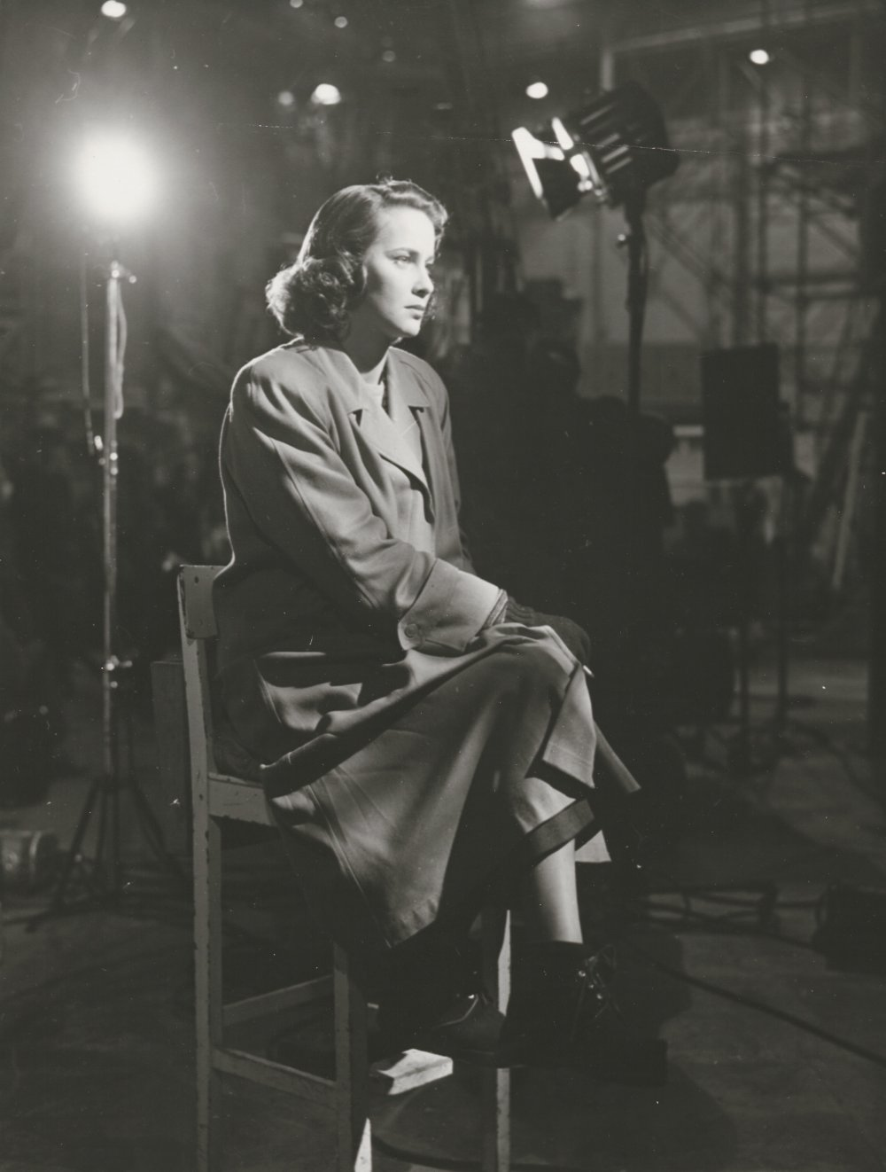 Valli, who later worked with Luchino Visconti and Michelangelo Antonioni, among the studio lights