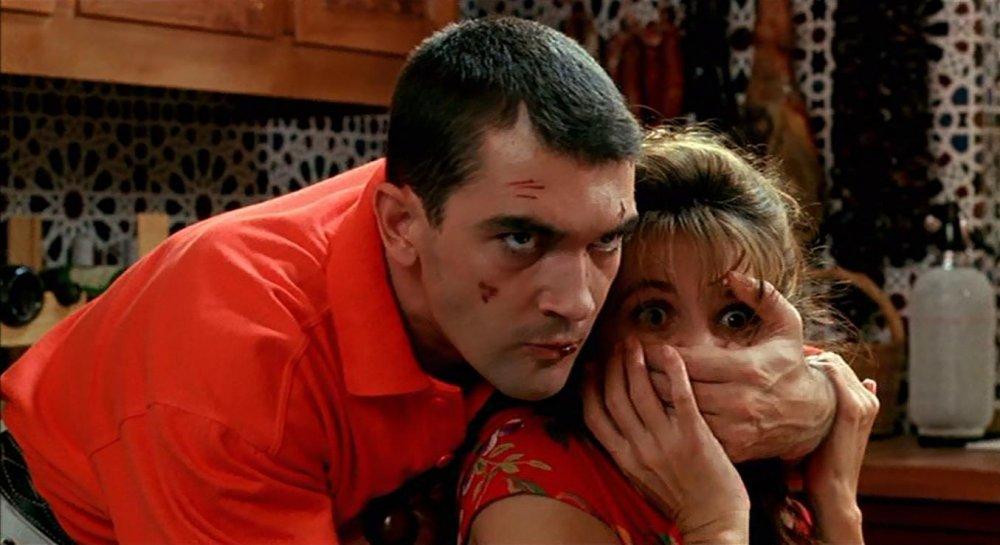 Antonio Banderas and Victoria Abril in Tie Me Up! Tie Me Down! (1989)