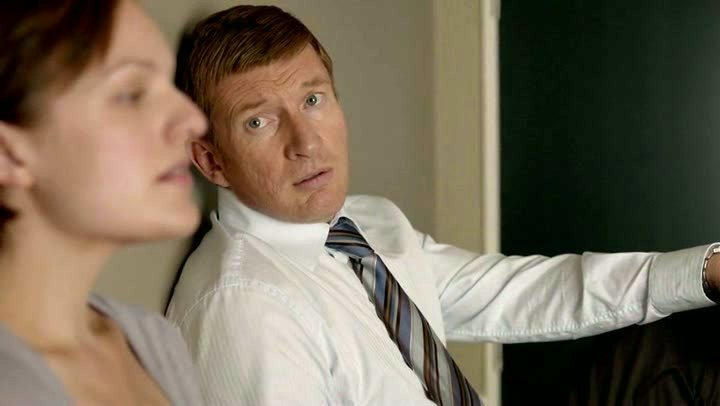 Moss with David Wenham as Al Parker