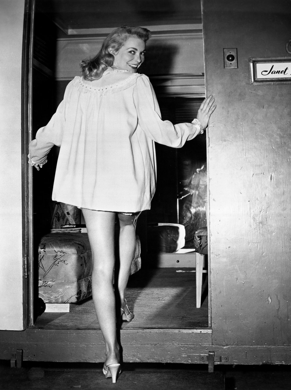Leigh returning to her trailer wearing the nightwear she wears in the scene in which she is menaced in a lonely Mexican motel. Two years later, she would be the subject of an even more terrifying motel attack, in Alfred Hitchcock's Psycho (1960)