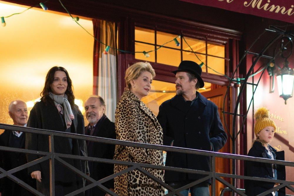 Juliette Binoche as Lumir, Catherine Deneuve as Fabienne Dangeville and Ethan Hawke as Hank in The Truth